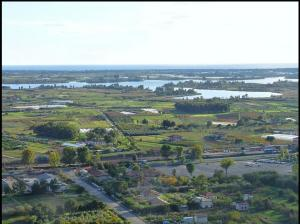 Piana e lago di Fondi (LM Shapcott 2009)