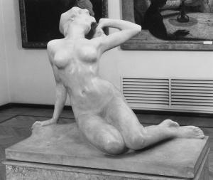 Risveglio, marmo, h,1,16 m, Gall. Naz. Arte Moderna, Roma