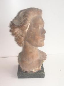 Ritratto femminile, terracotta, h. 46,8cm prop.pubbl