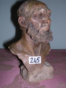 Uomo barbuto, 16 cm, coll. priv.